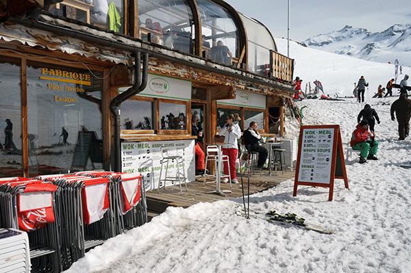 Wok-ski ligger precis bredvid bar-360°.