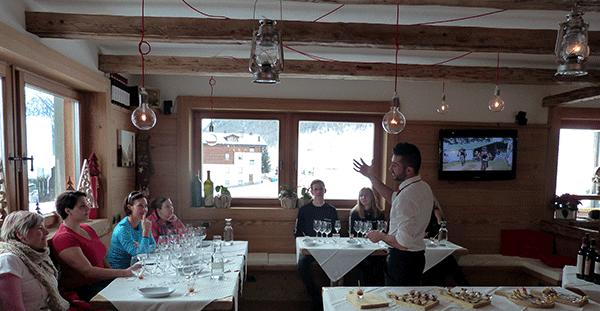 Vinprovning på Hotel Alegra är en mysig avstickare under skidsemestern