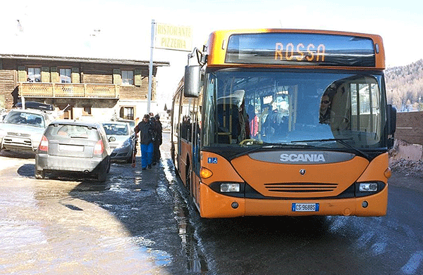 Sahar ser de flesta bussarna ut i Livigno. Fargen pa bussen star i displayen.