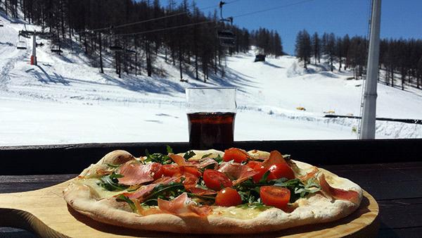 vem-alskar-inte-pizza