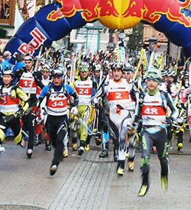 Har springer de forsta genom byn på Marathon-routen.