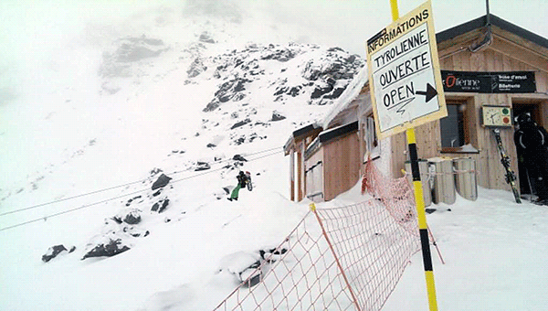 Startpunkten av ziplinene pa Val Thorens hogsta punkt.